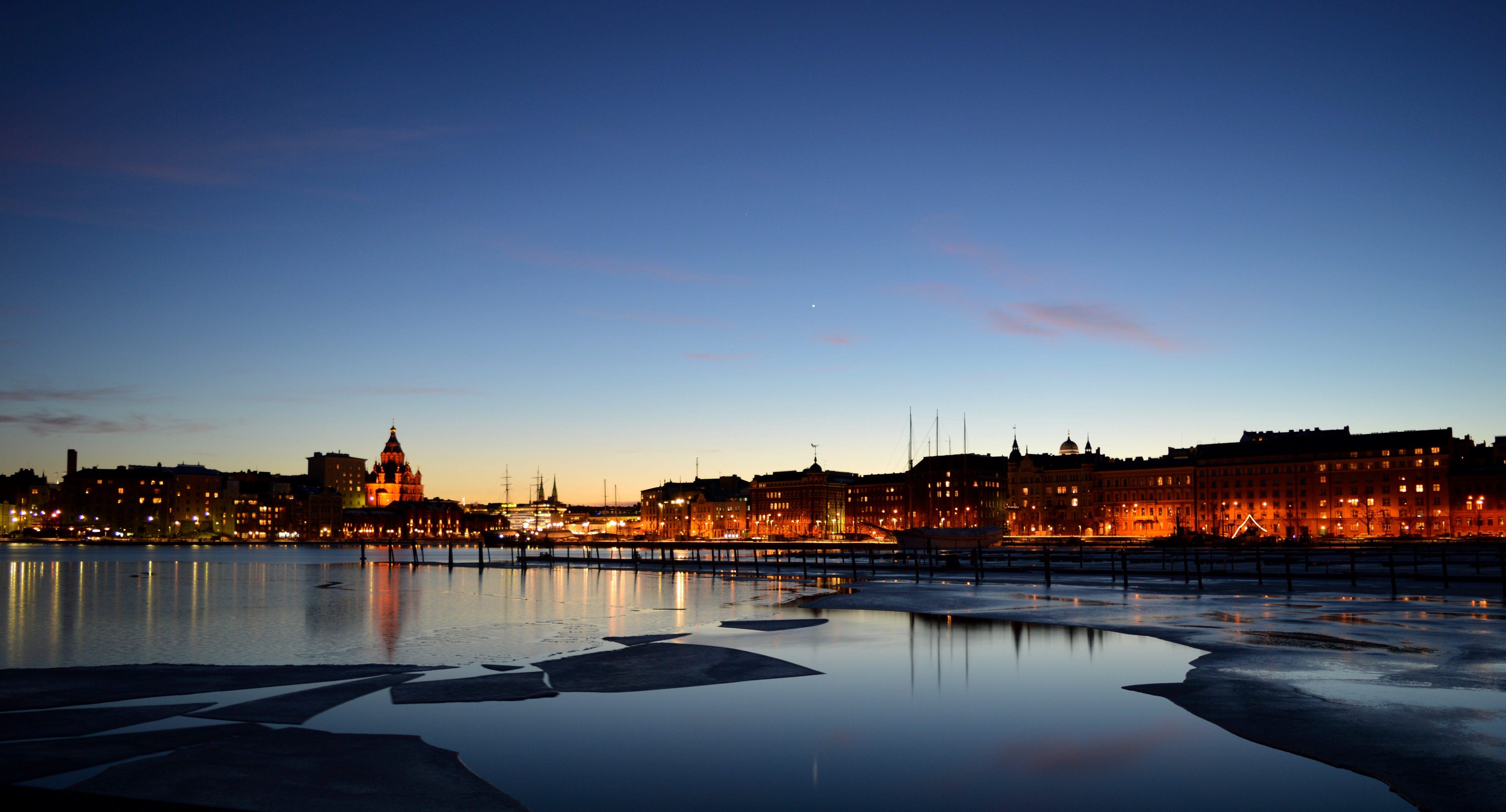 Fähre Stockholm-Helsinki Helsinki in der Nacht